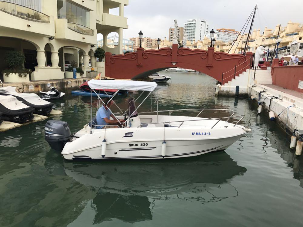 Alquiler de barcos privados en Benalmádena Costa- Málaga